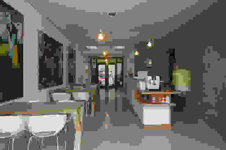 TRANSFORMATIE VAN KERK NAAR KANTOOR_07 Moderne kantoorgebouwen van HOYT architecten Modern
