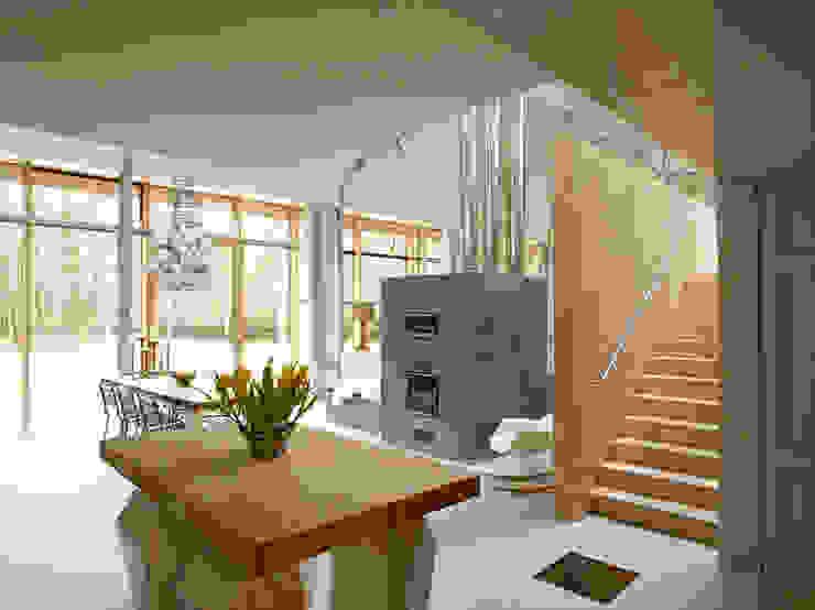 Salon moderne par KRFT Moderne