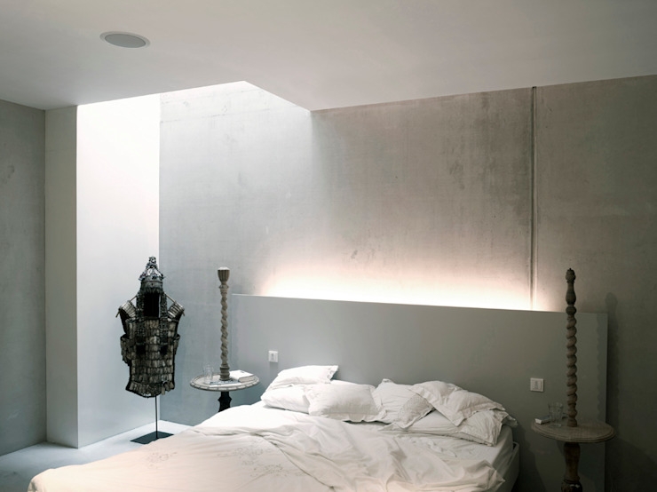 Modern style bedroom by KRFT Modern