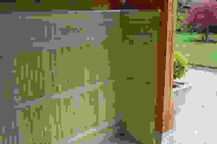 Linenfold Panelling Arttus Casas de estilo clásico