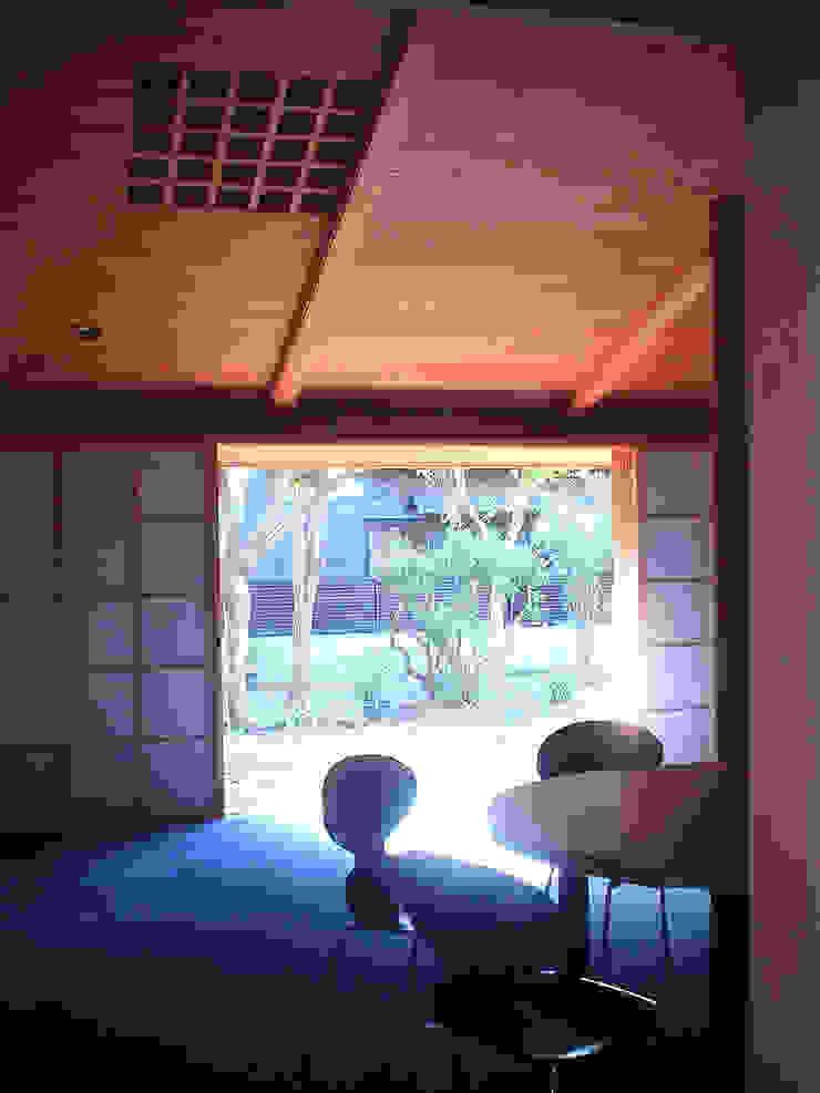 東の舎 オリジナルデザインの リビング の 松井建築研究所 オリジナル