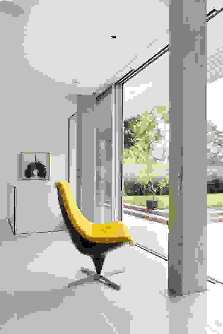 E2 PAVILION ECO HOUSE, BLACKHEATH Modern living room by E2 Architecture + Interiors Modern