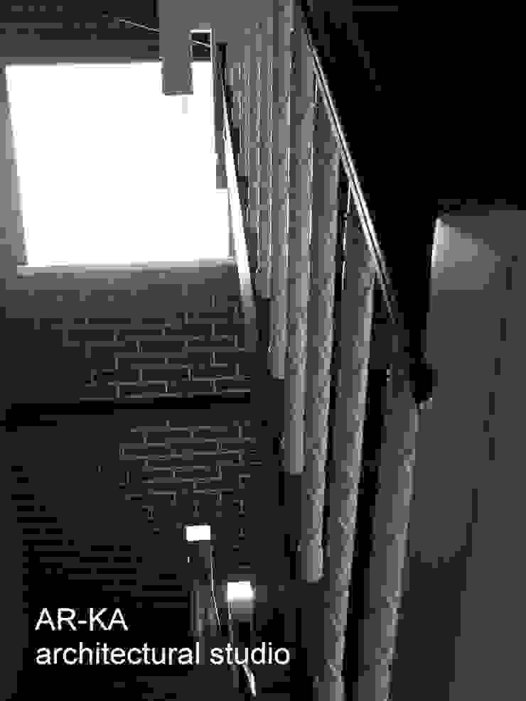 Дом в Малаховке Коридор, прихожая и лестница в модерн стиле от AR-KA architectural studio Модерн