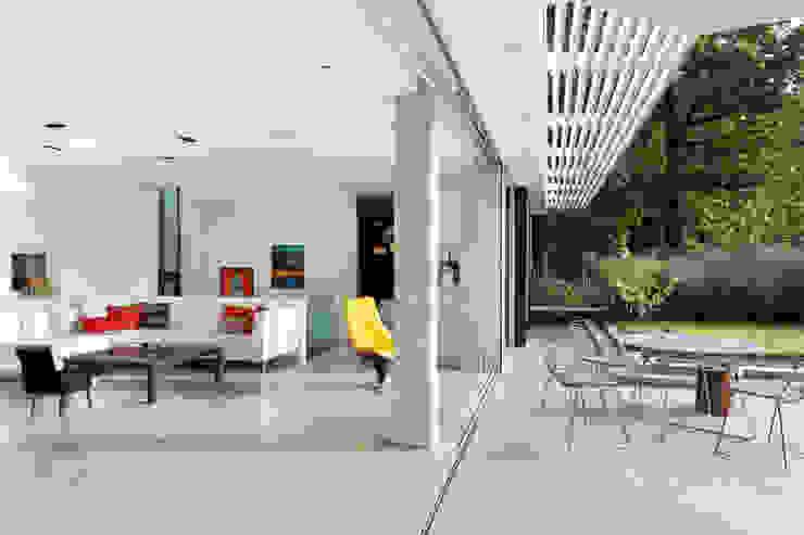 E2 PAVILION ECO HOUSE, BLACKHEATH Soggiorno moderno di E2 Architecture + Interiors Moderno