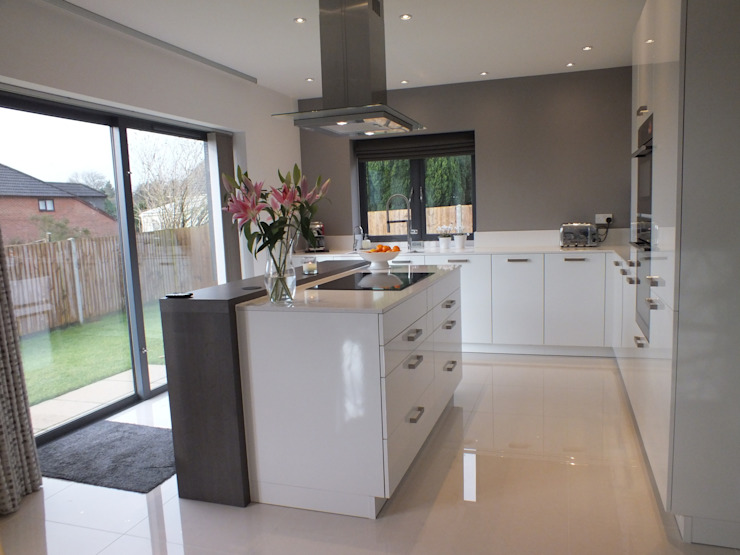New build Hampshire UK Minimalist kitchen by At No 19 Minimalist
