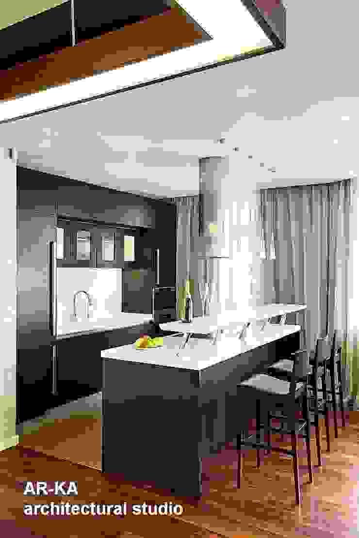 Жизнь в ШОКОЛАДЕ Кухня в стиле модерн от AR-KA architectural studio Модерн