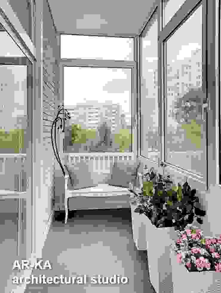Квартира для подарков Балкон и терраса в стиле модерн от AR-KA architectural studio Модерн