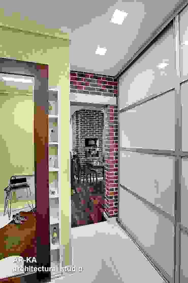 Модернизм в исторической среде Коридор, прихожая и лестница в стиле лофт от AR-KA architectural studio Лофт