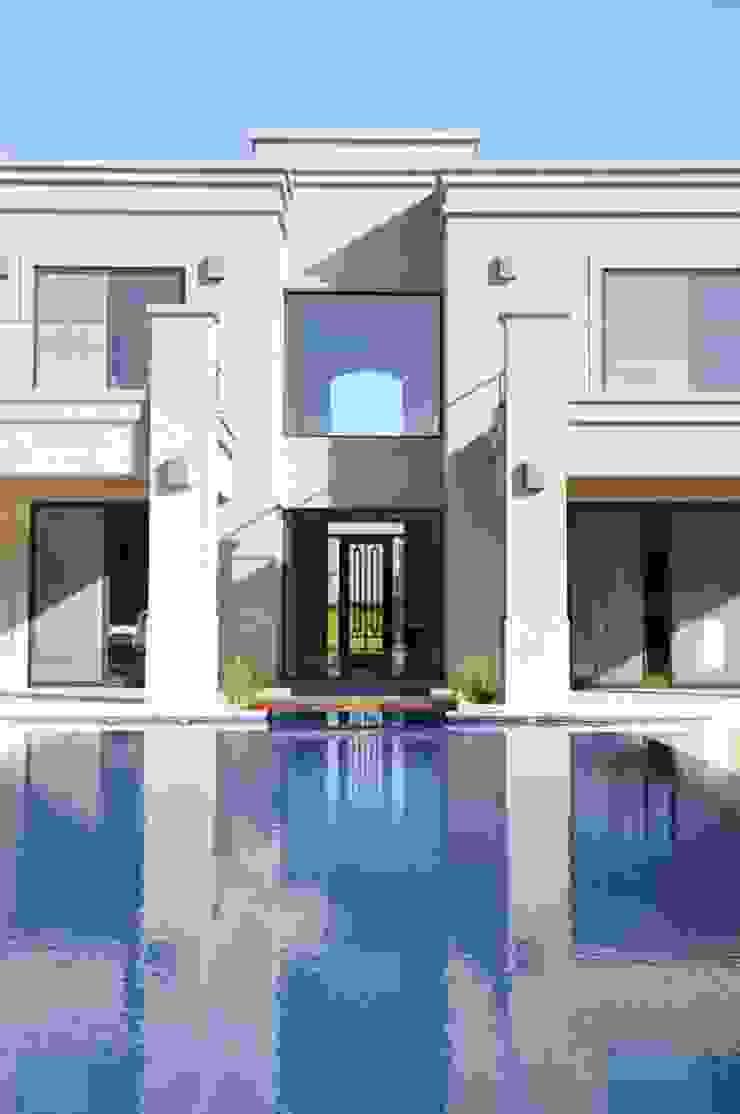Maisons classiques par Parrado Arquitectura Classique