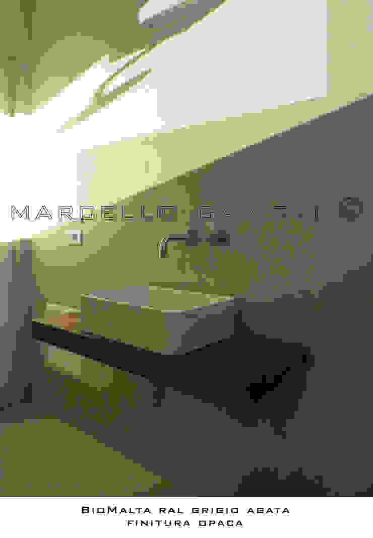 Salle de bain moderne par Marcello Gavioli Moderne