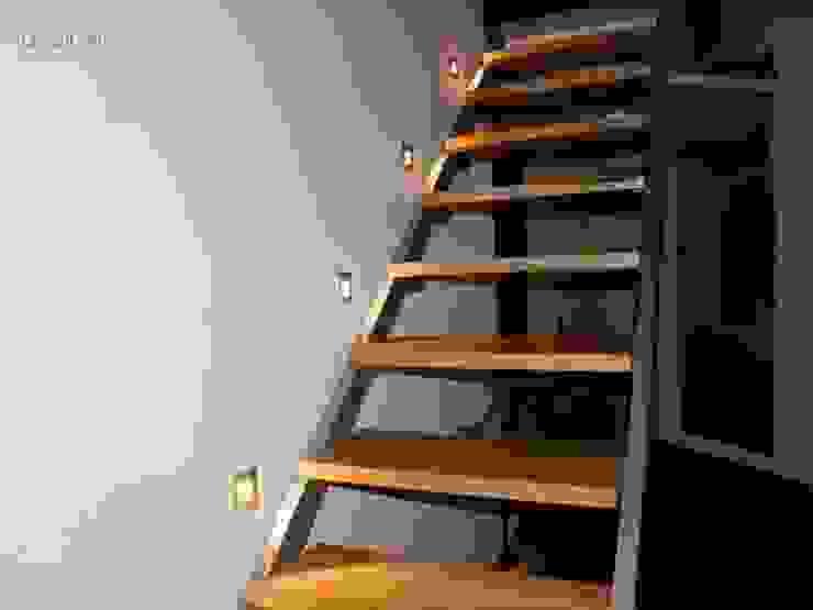 Projekt Gliwice Minimalistyczne ściany i podłogi od kabeDesign kasia białobłocka Minimalistyczny