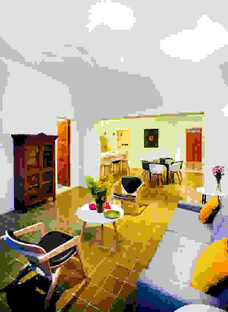 Casa FS55 Salones modernos de Taller Estilo Arquitectura Moderno
