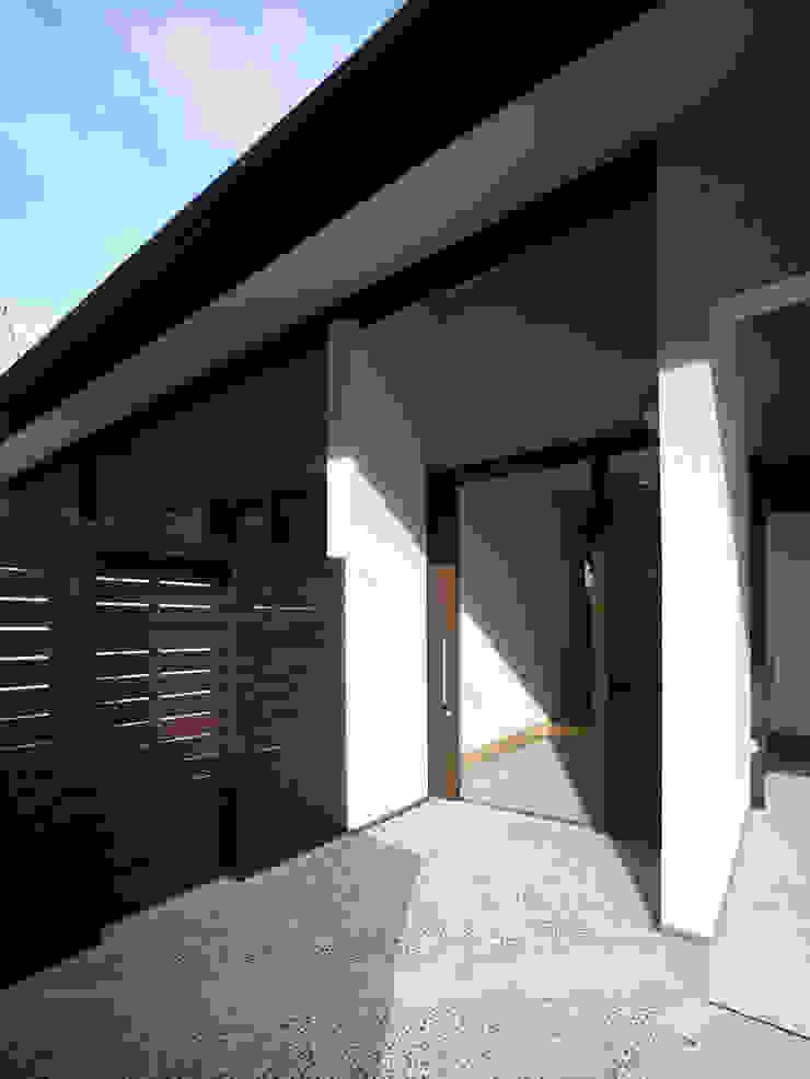 鶴巻デザイン室 Asian style houses