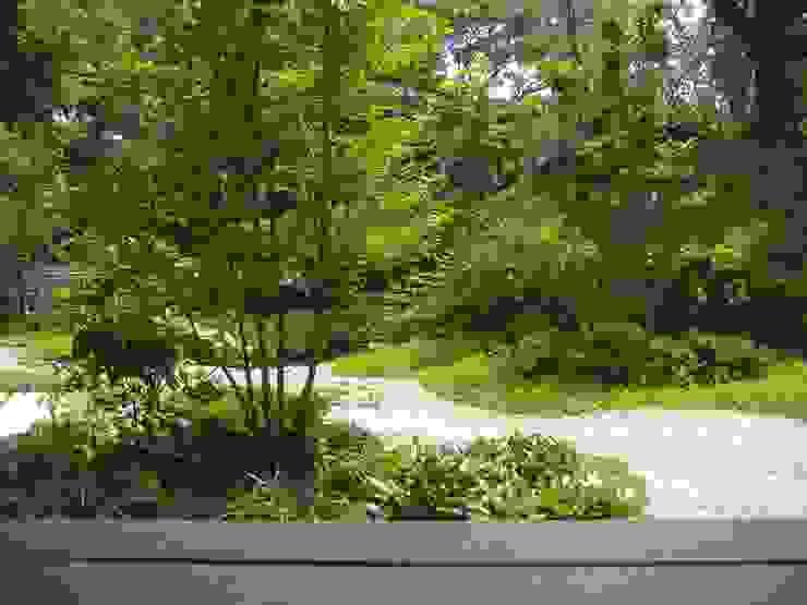 ウッドデッキからの眺め オリジナルな 庭 の 新美園 オリジナル
