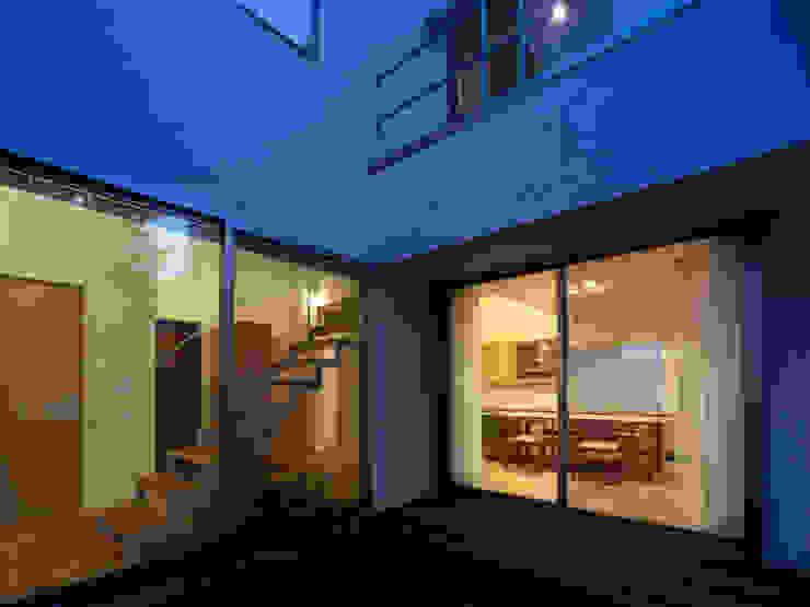 雑木林の家 モダンな 家 の 鶴巻デザイン室 モダン