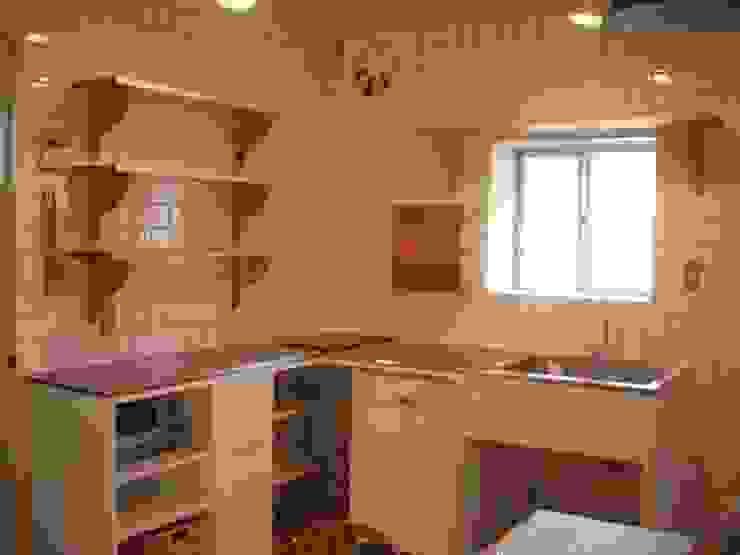 Kitchen オリジナルデザインの キッチン の (株)ハウスオブポタリー オリジナル