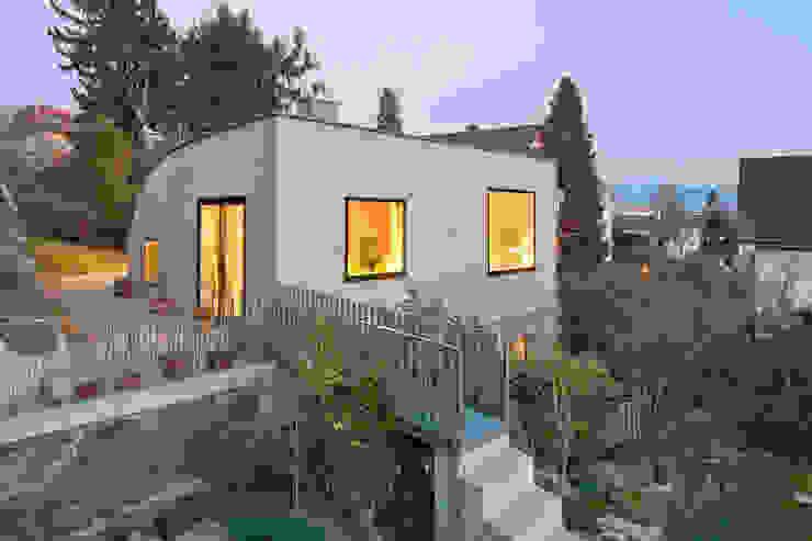 Varandas, marquises e terraços modernos por LENGACHER EMMENEGGER PARTNER AG Moderno