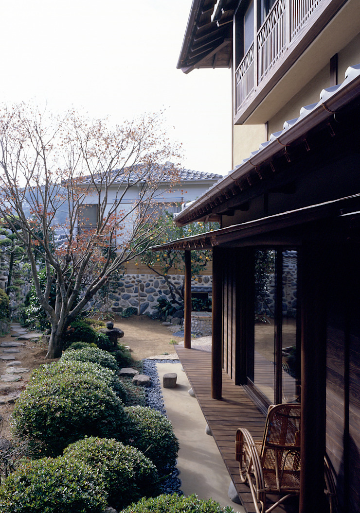 鳴滝の家 アジア風 庭 の 鶴巻デザイン室 和風