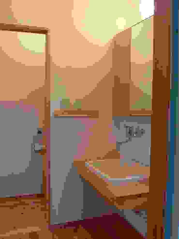 PETANKOの家 ミニマルスタイルの お風呂・バスルーム の 鶴巻デザイン室 ミニマル