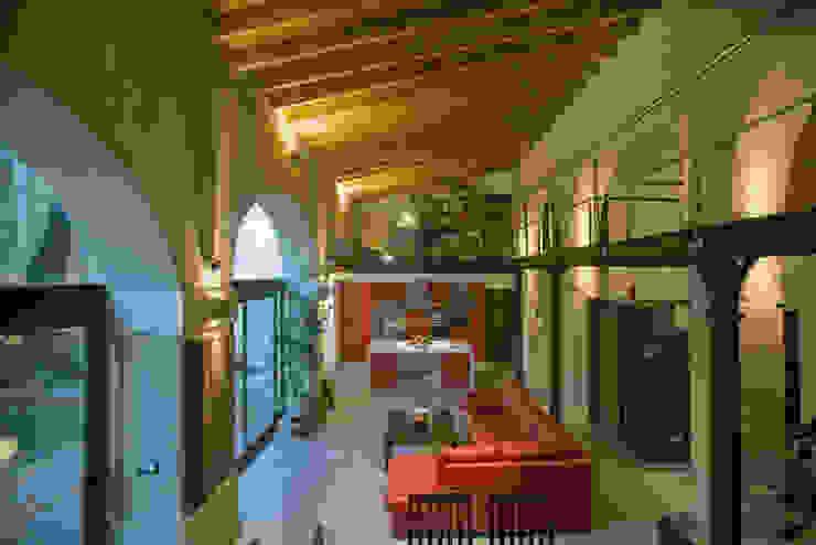 Cocina-salón-comedor pxq arquitectos Salones de estilo ecléctico