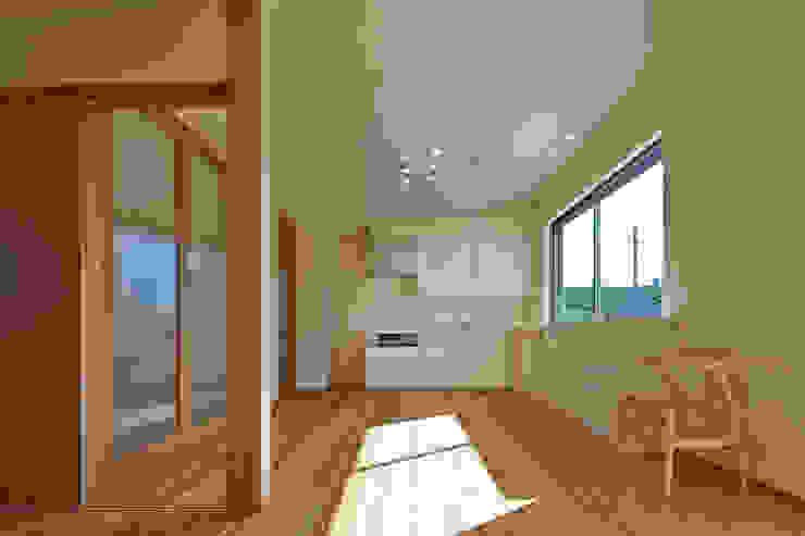 古枝の家 モダンな キッチン の 鶴巻デザイン室 モダン