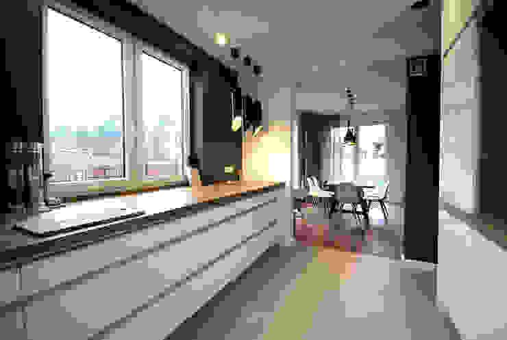 projekt wnętrza domu w Wiśniowej Górze -156mkw Skandynawska kuchnia od Piotr Stolarek Projektowanie Wnętrz Skandynawski
