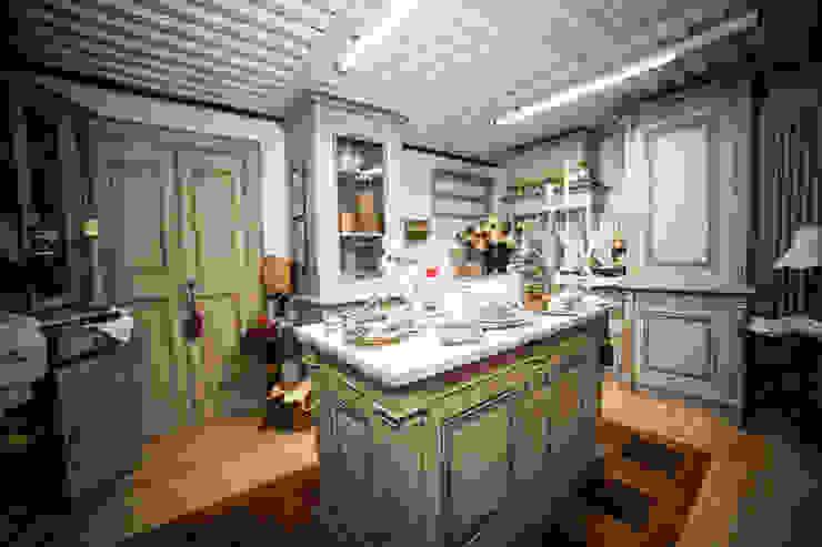 Kitchen by Porte del Passato,