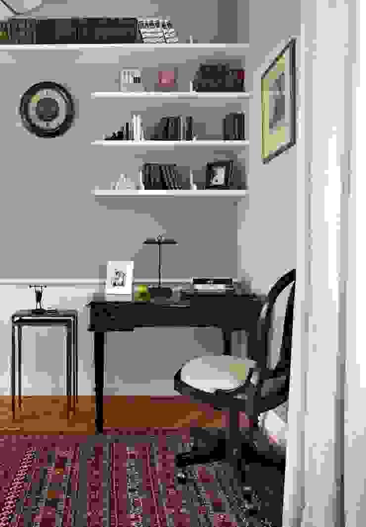 Квартира на Остоженке Рабочий кабинет в классическом стиле от D'Seesion Классический