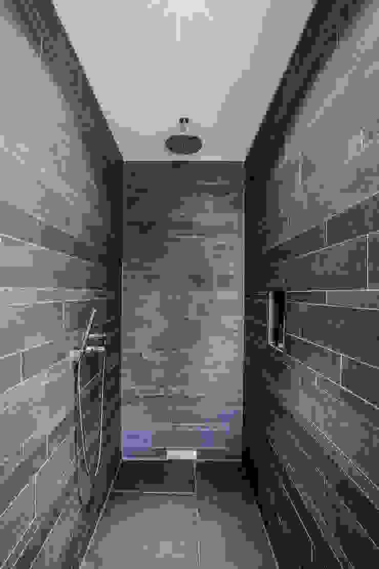 21-arch GmbH Minimalist bathroom