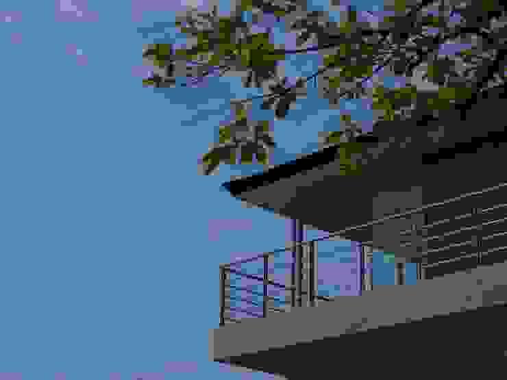 OPEN AIR HOUSE オリジナルな 家 の 徳永建築事務所 オリジナル