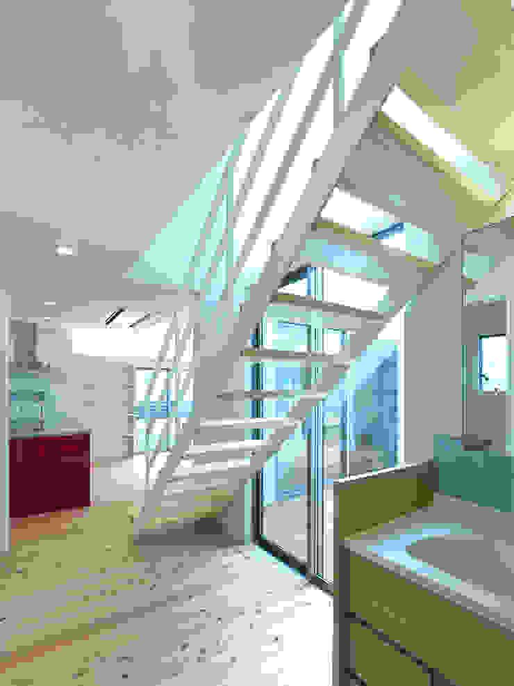 中庭の家 モダンスタイルの お風呂 の 鶴巻デザイン室 モダン