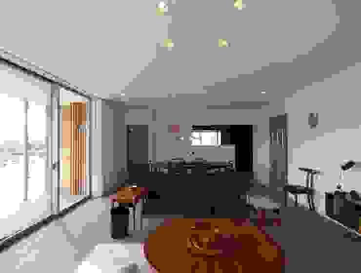 OPEN AIR HOUSE オリジナルデザインの リビング の 徳永建築事務所 オリジナル