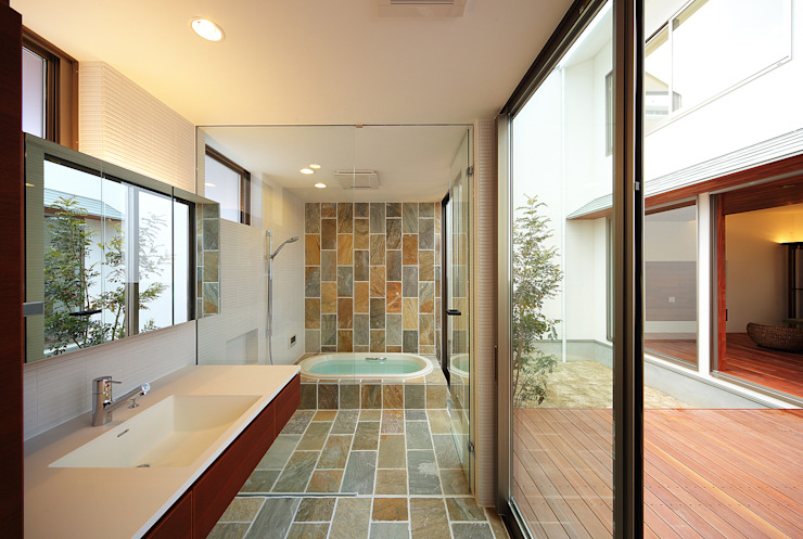 Asian style bathrooms by 一級建築士事務所haus Asian