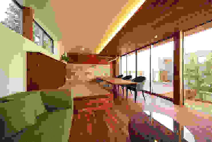 haus-vila: 一級建築士事務所hausが手掛けたリビングです。,和風