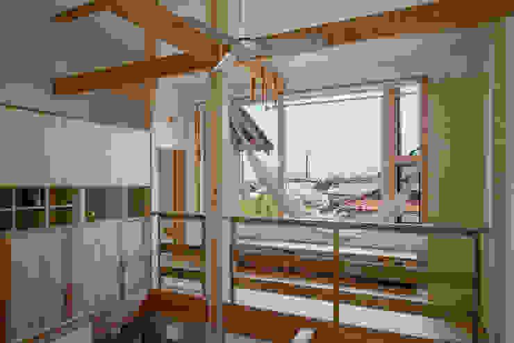 南のサンスペース: 小野育代建築設計事務所が手掛けた和室です。,オリジナル