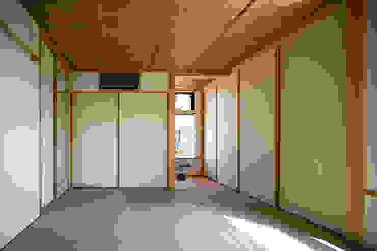 和室 オリジナルスタイルの 寝室 の 小野育代建築設計事務所 オリジナル