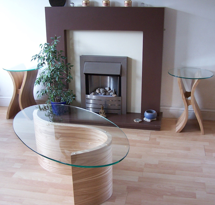 Pair of Tara side tables and a River coffee table in olive ash. Salas de estar modernas por ChippDesigns Moderno