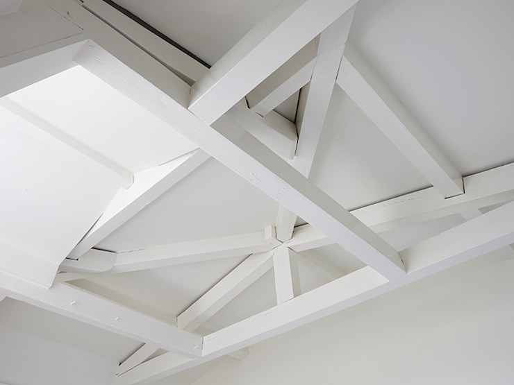 Zoldergebint Klassieke slaapkamers van Lumen Architectuur Klassiek