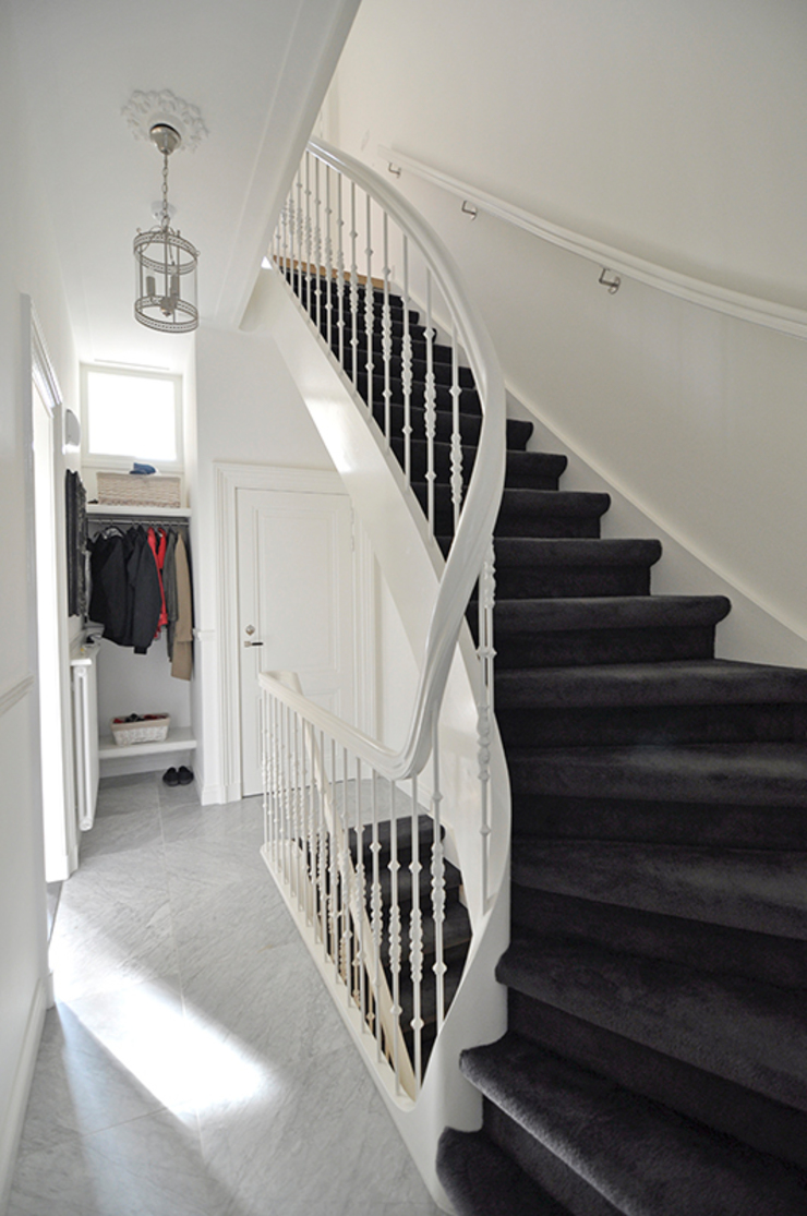 Trappenhuis Klassieke gangen, hallen & trappenhuizen van Lumen Architectuur Klassiek