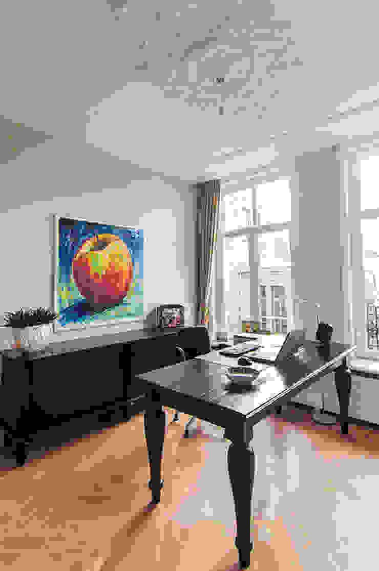 Werkkamer Klassieke studeerkamer van Lumen Architectuur Klassiek