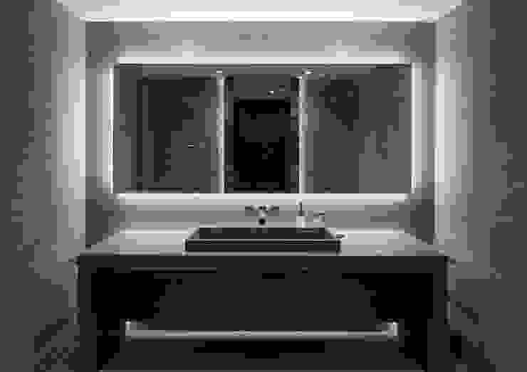 Villa im Engadin Moderne Badezimmer von steigerconcept ag Modern