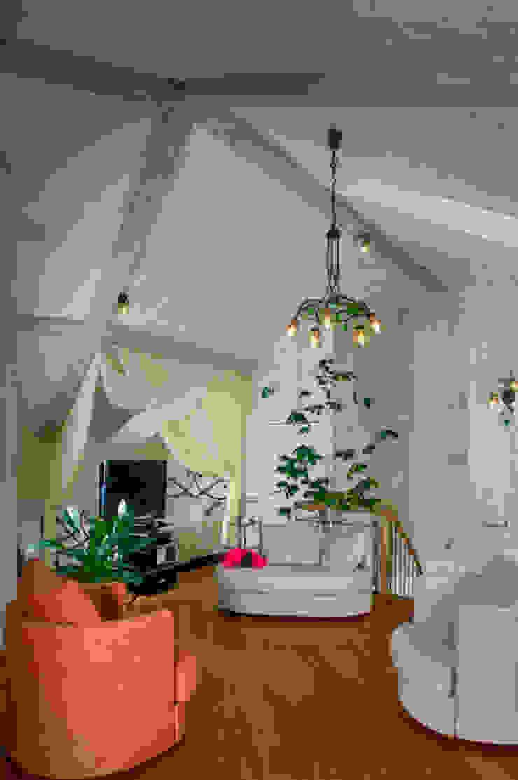 """<q class=""""-first"""">Скандинавия</q> Детские комната в эклектичном стиле от дизайн-группа 'Лестница' Эклектичный"""