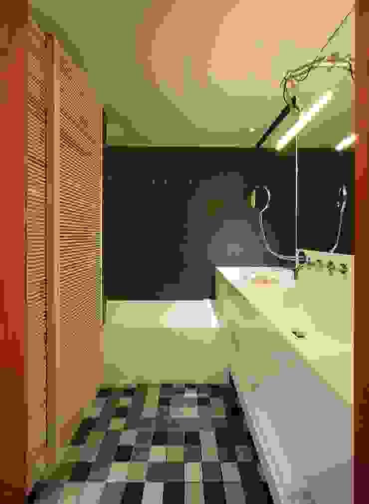 Mediterranean style bathrooms by RAFAEL VARGAS FOTOGRAFIA SL Mediterranean