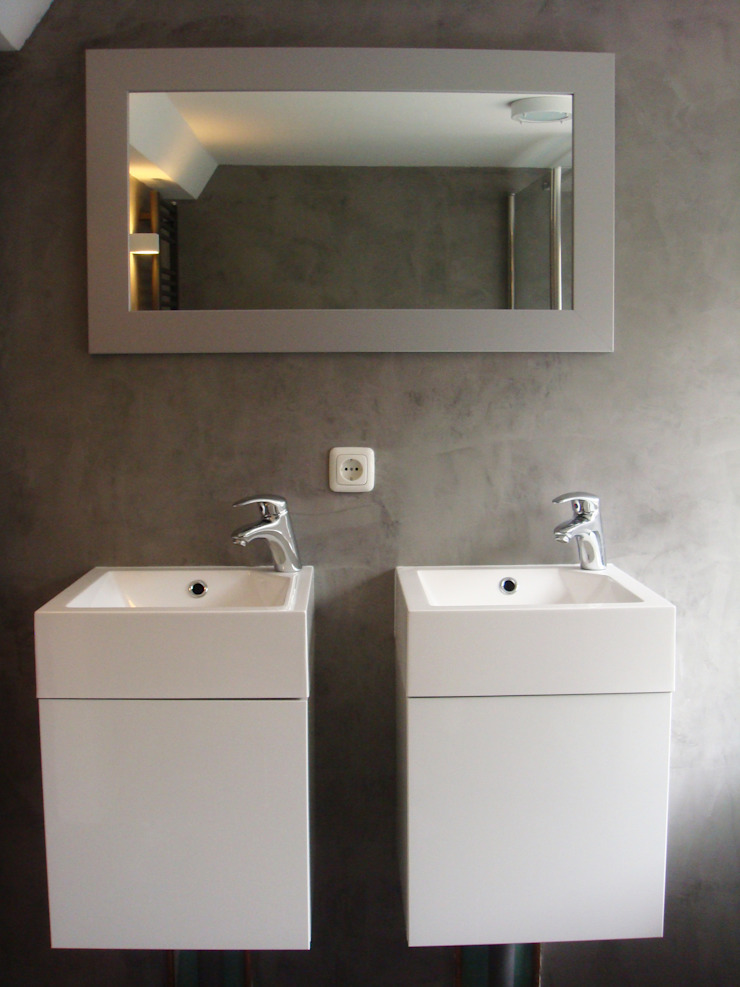 Badkamer na de verbouwing: modern  door A&R10, Modern