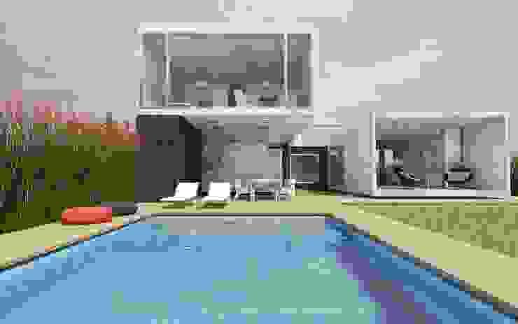 CASA TTTBN: Jardines de estilo  por Najmias Oficina de Arquitectura [NOA]