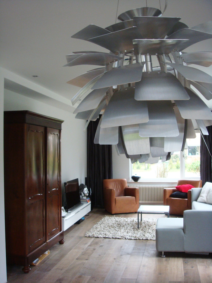 woonkamer na de verbouwing: modern  door A&R10, Modern