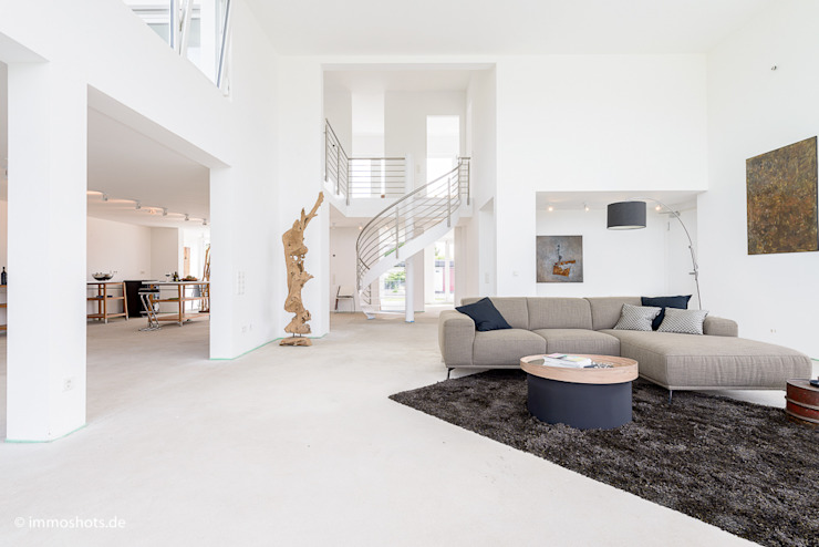 Modern Living Room by Immotionelles Modern