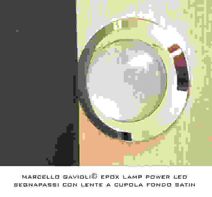 Lampada in resina epoxy di Marcello Gavioli Moderno