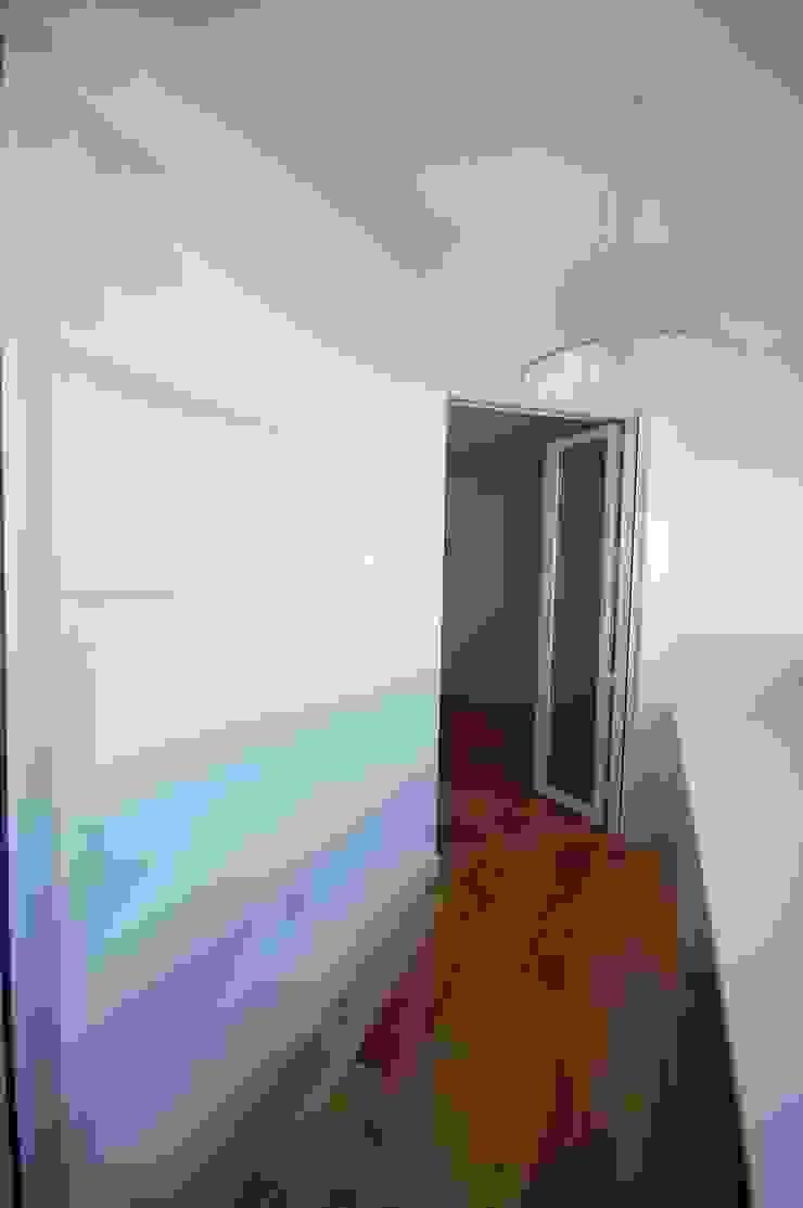 Apartamento em Algés Quartos modernos por Borges de Macedo, Arquitectura. Moderno