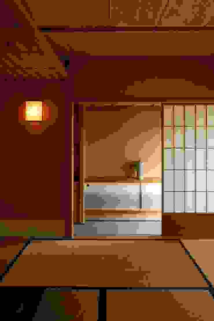 茶室/8畳 和風デザインの 多目的室 の 忘蹄庵建築設計室 和風